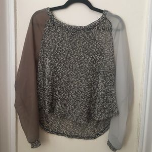 #Urbanoutfitters sweater/blouse